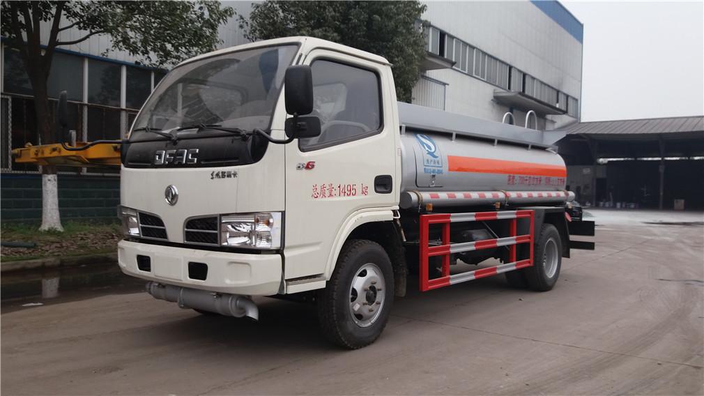 东风小多利卡(2.5方)加油车