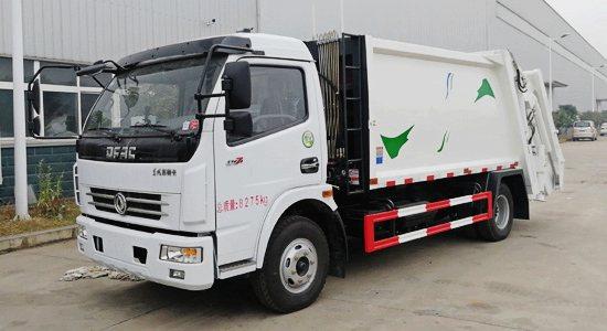 东风多利卡8吨压缩式垃圾车