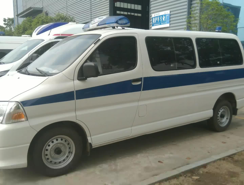 華晨金杯救護車