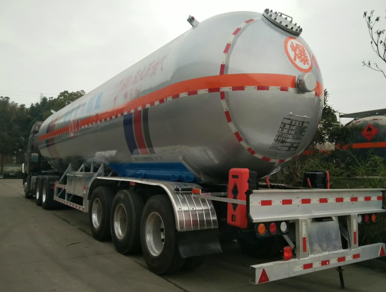 解放易燃气体罐装运输车
