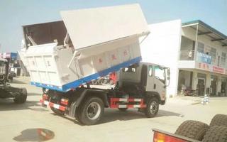 翼开式垃圾车图片
