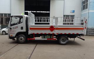 解放气瓶运输车图片