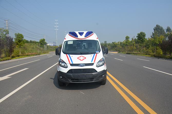 江铃特顺短轴中顶运输型汽油版救护车