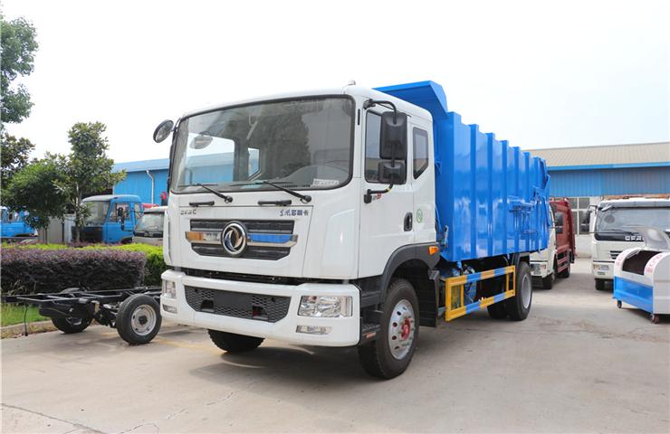 东风多利卡D9(12方)对接式垃圾车