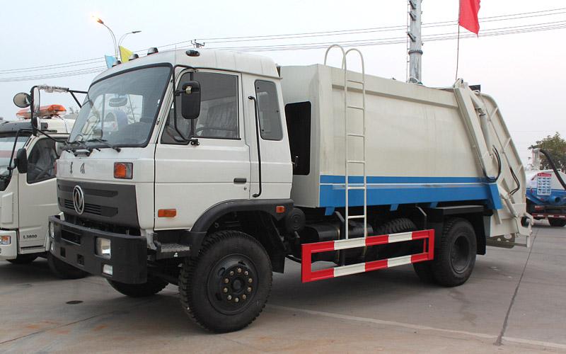 東風153壓縮式垃圾車