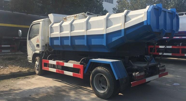 东风小多利卡淤泥挂桶垃圾车