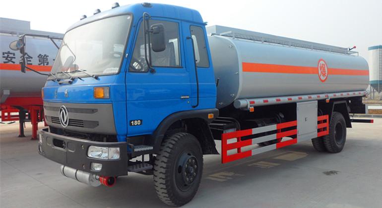東風145運油車