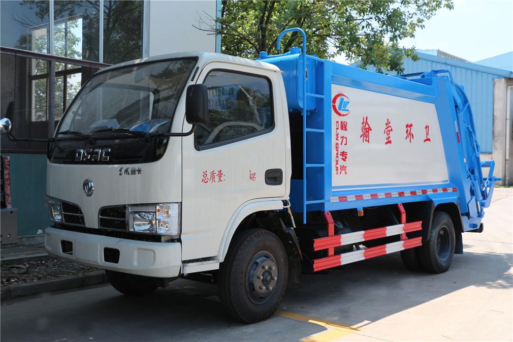 东风小多利卡(5方)压缩式垃圾车