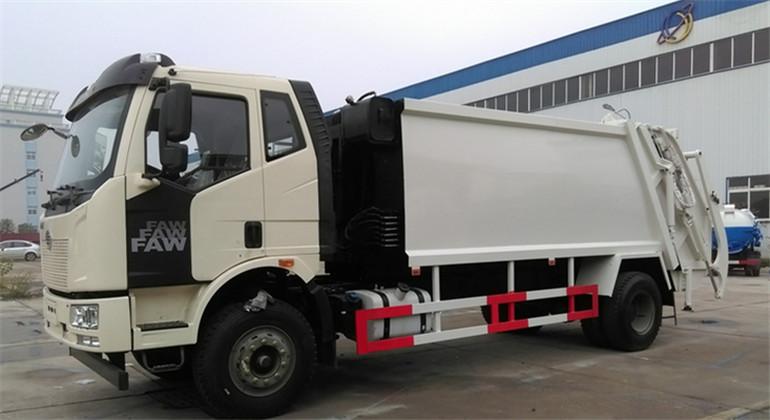 解放J6壓縮式垃圾車