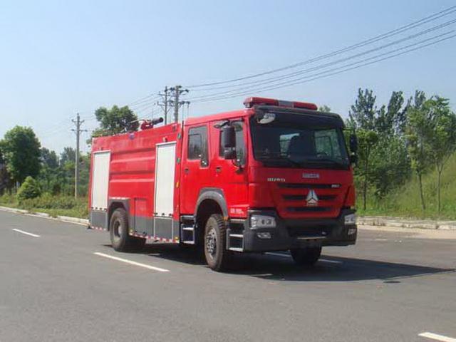 重汽单桥泡沫消防车