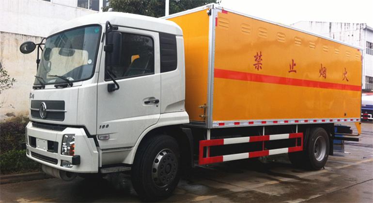 (厢长6.5米)东风天锦爆破器材运输车