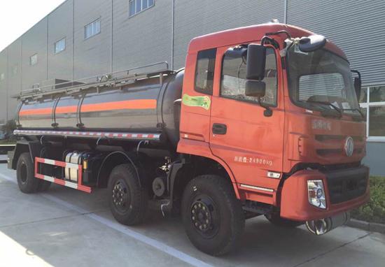 东风153小三轴腐蚀性物品罐式运输车