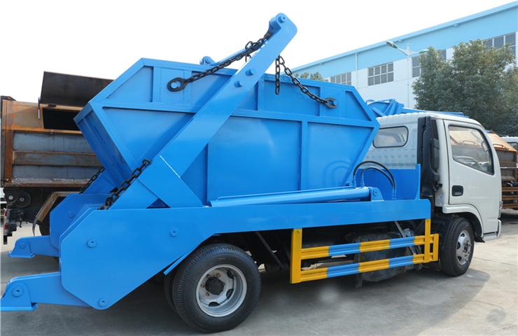 东风小多利卡(5方)摆臂式垃圾车图片