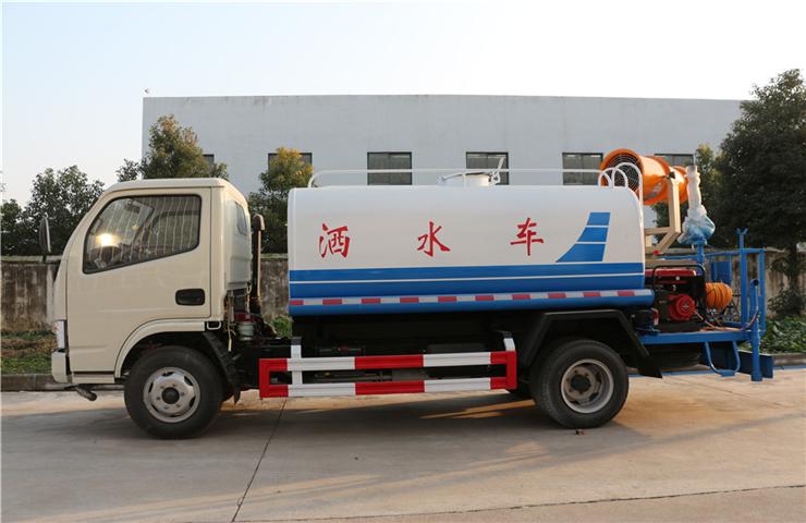 东风小多利卡(3方)绿化喷洒车