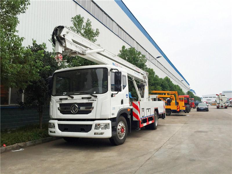 东风多利卡D9高空作业车