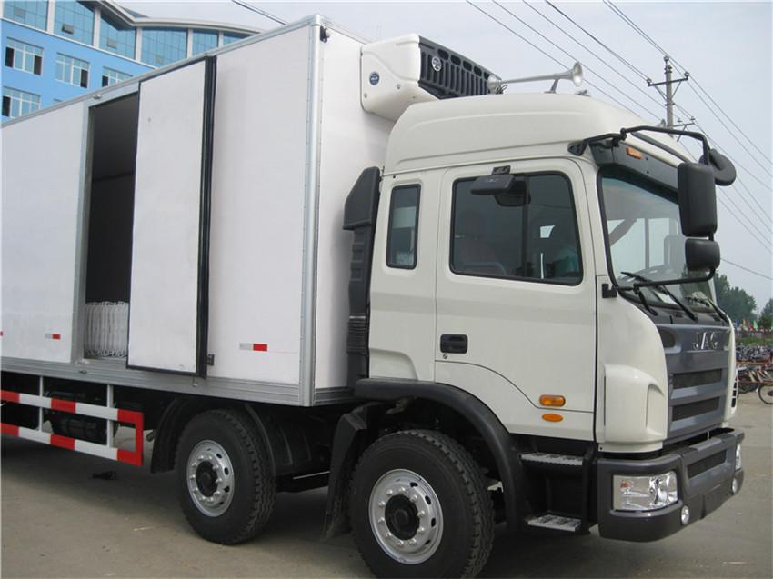 江淮格尔发厢长9.5米小三轴冷藏车图片