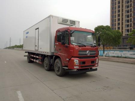 东风天锦小三轴国五厢长8.6米冷藏车