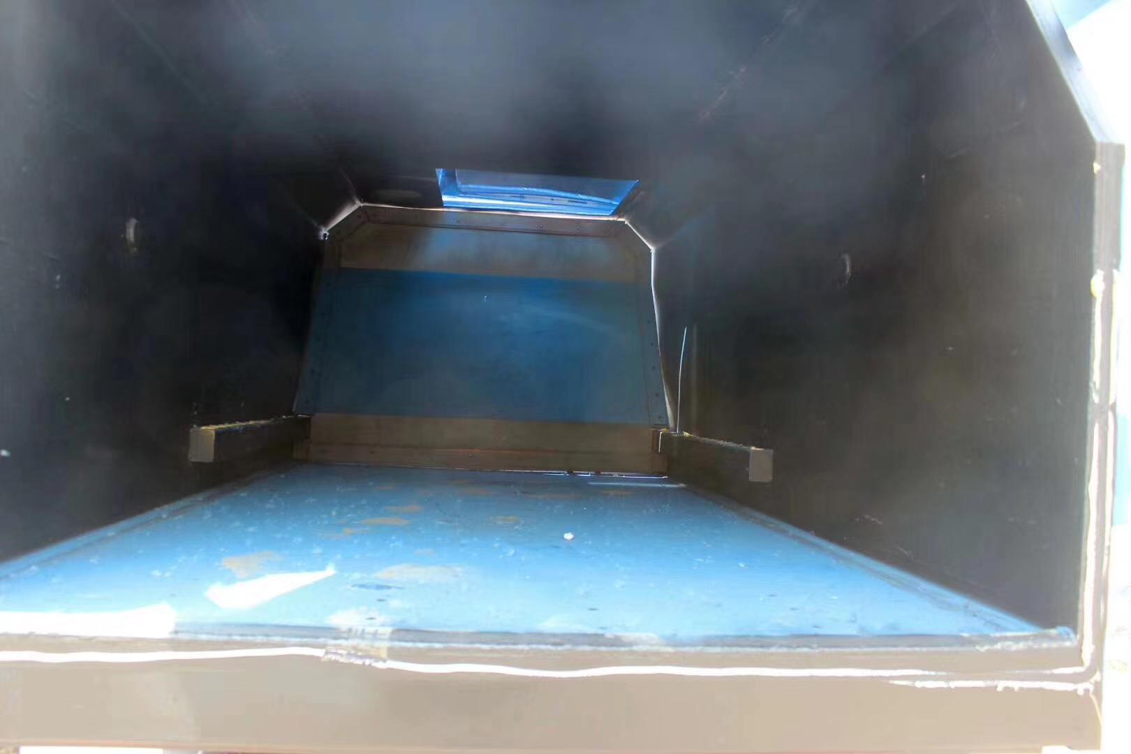 凯马蓝牌侧装挂桶对接式垃圾车
