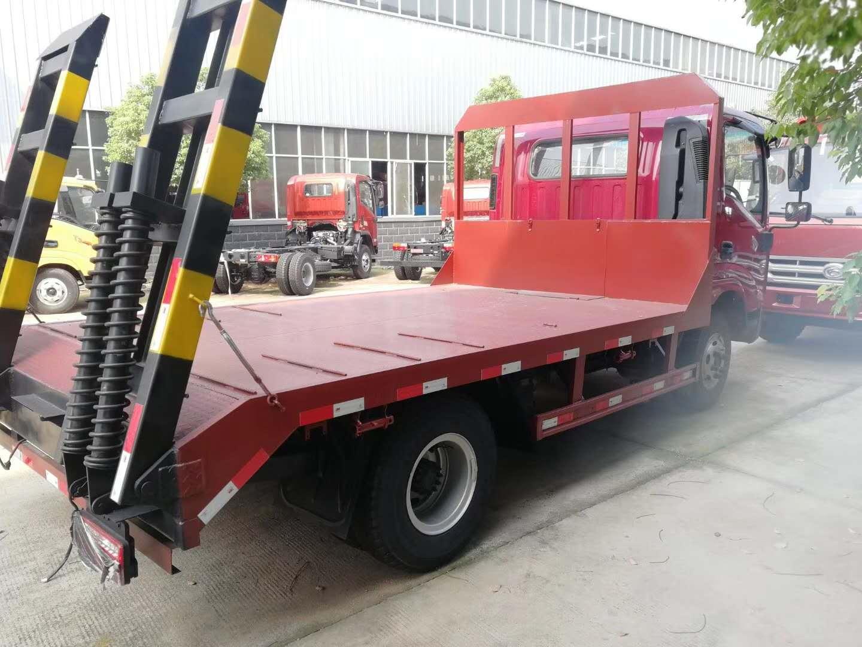 唐骏T7宽体驾驶室蓝牌挖机拖车