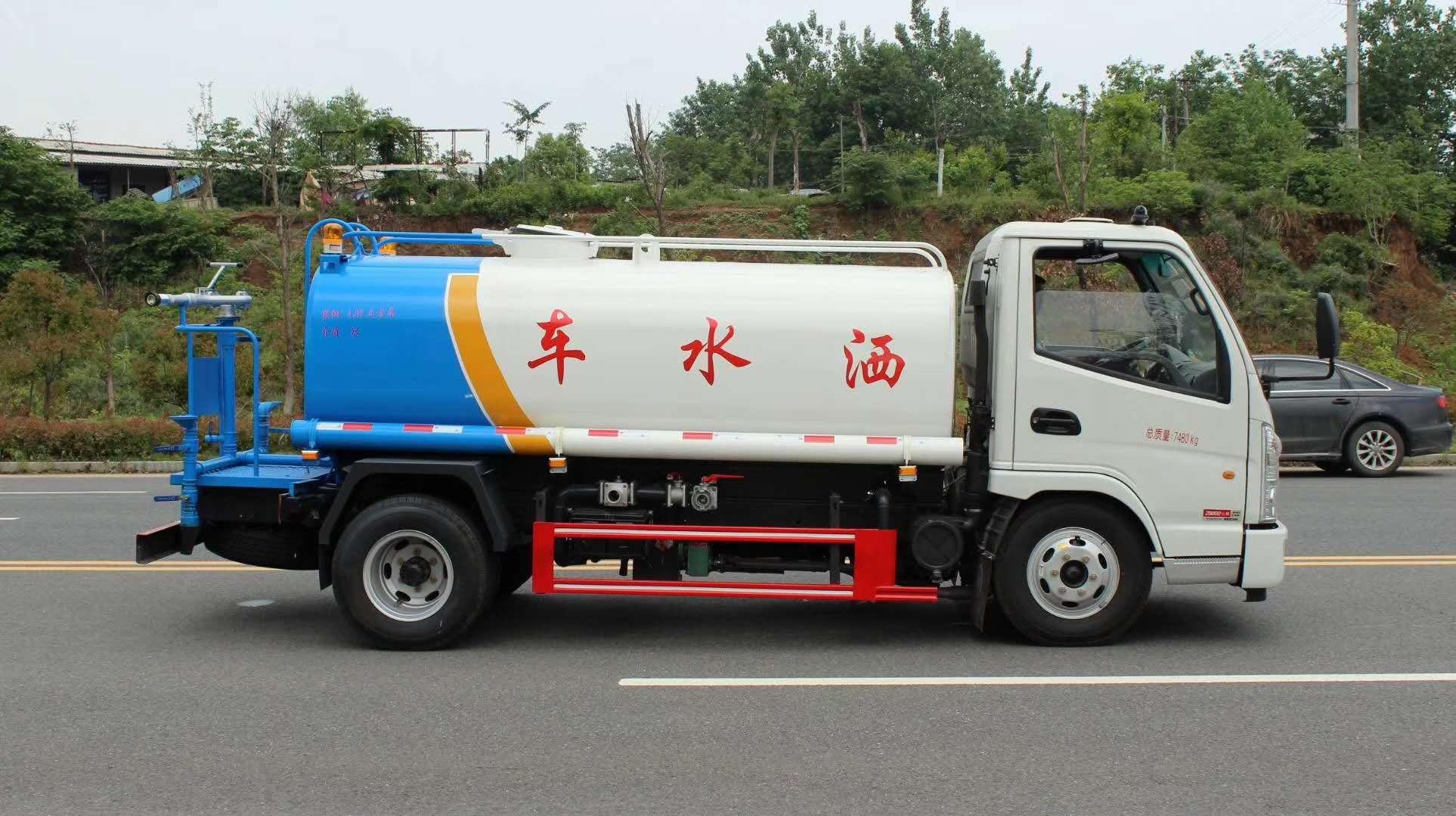 凱馬5方灑水車熱銷產品