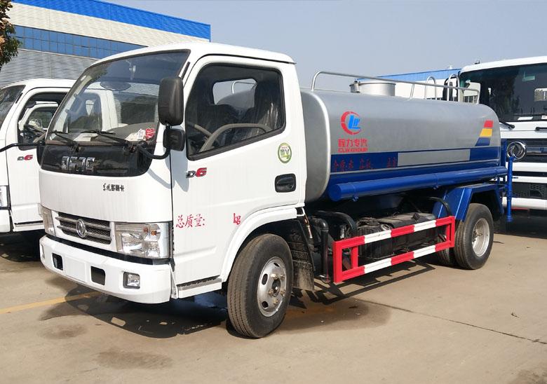 最暢銷的東風5噸灑水車圖片