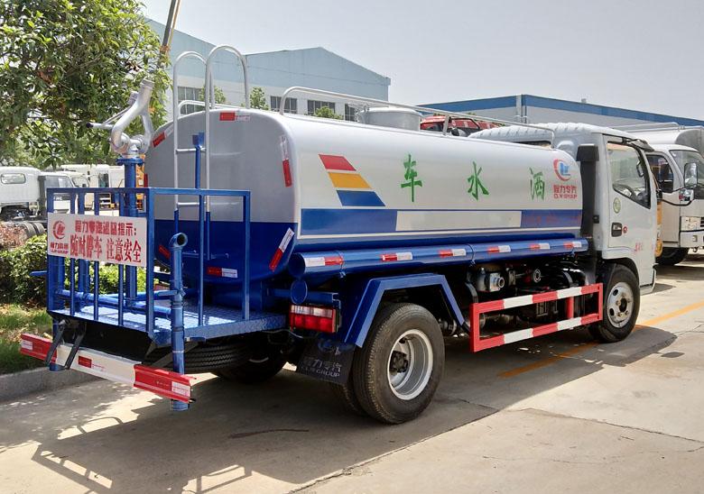 最暢銷的東風5噸灑水車_高清圖片