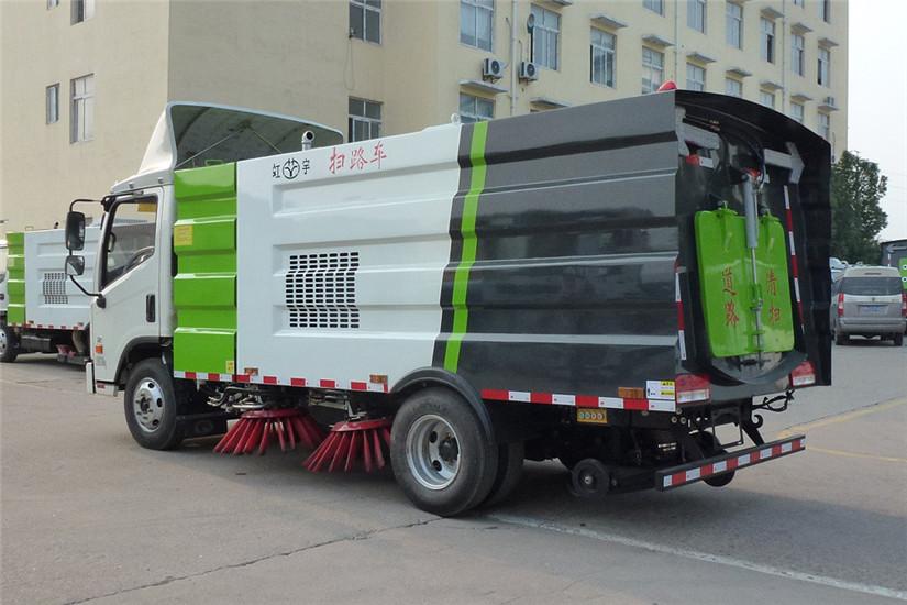 福田时代康瑞5吨扫路车