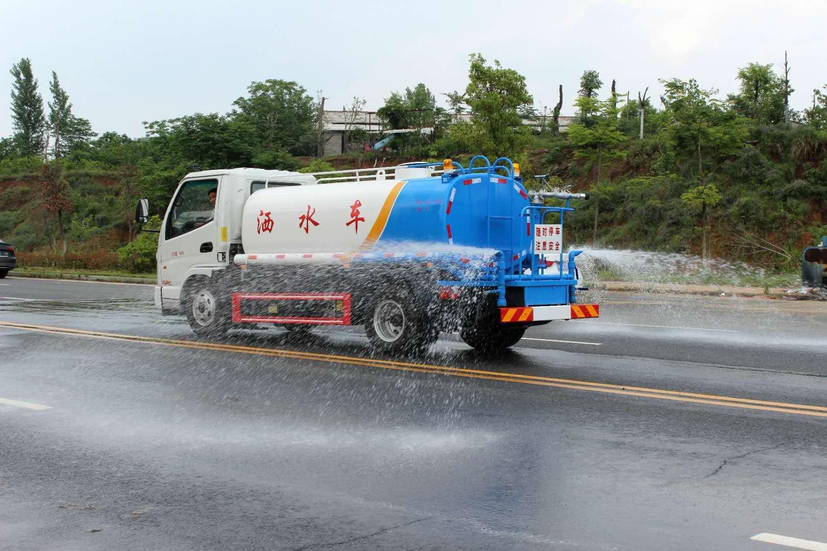 國五凱馬5噸灑水車圖片