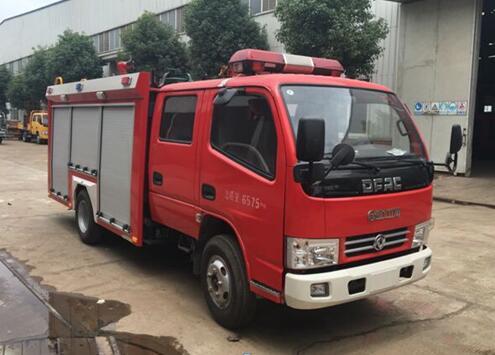 东风小多利卡2吨水罐消防车