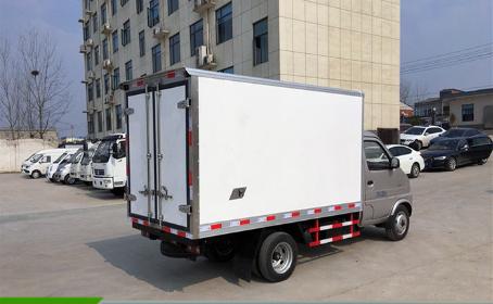 长安后双轮3米小型冷藏车