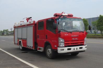 庆铃3吨水罐消防车