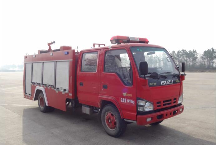 庆铃五十铃2吨水罐消防车