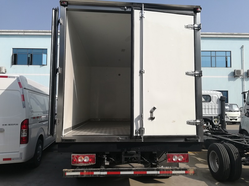 福田欧马可国五单排厢长4.2米冷藏车图片