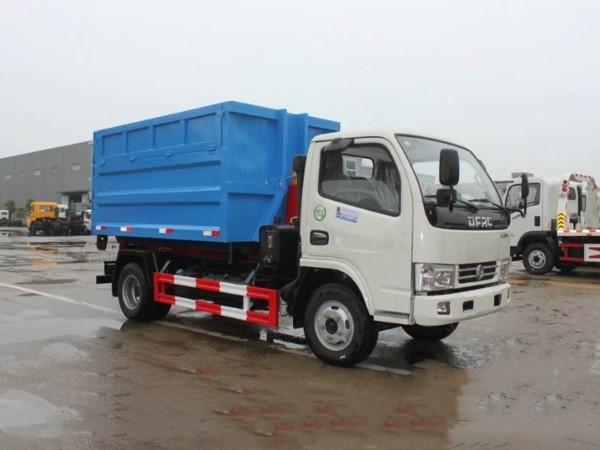 东风4方勾臂式垃圾车 (2)