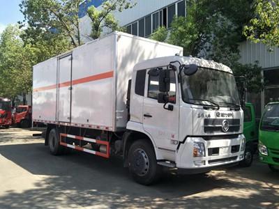 东风天锦爆破器材运输车