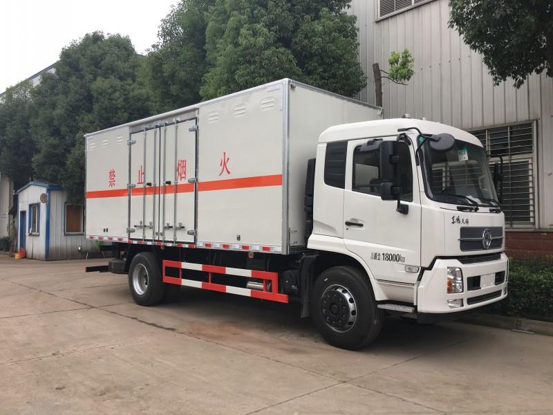 东风天锦易燃气体厢式运输车