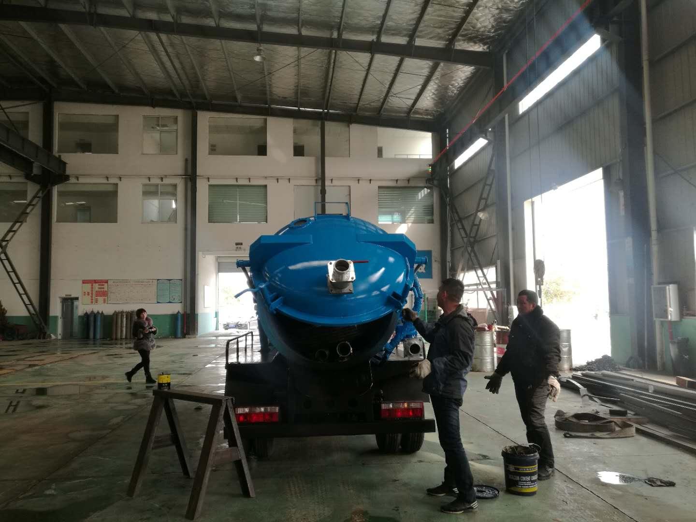 东风3吨-5吨吸污车图片