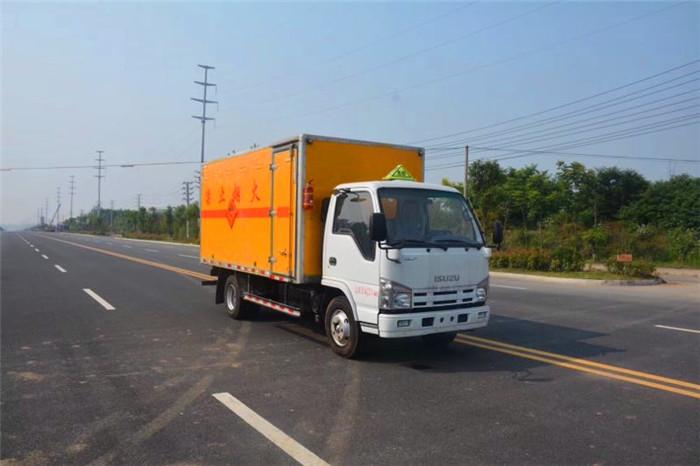 4米2五十铃易燃液体厢式运输车1.4吨