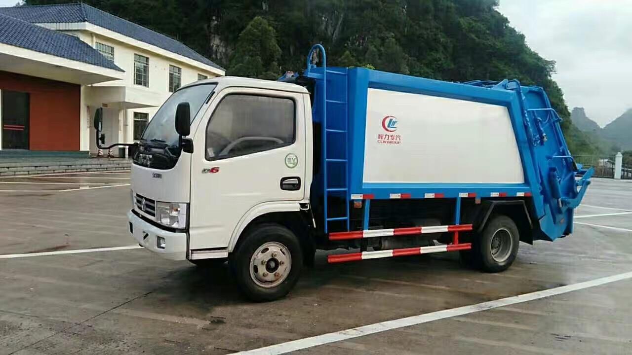 蓝牌东风多利卡压缩式垃圾车