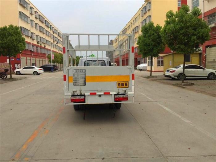 东风途逸3米气瓶运输车