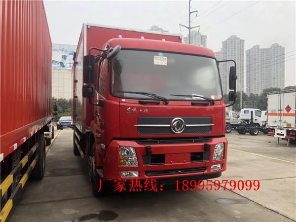 东风天锦10吨烟花爆竹运输车