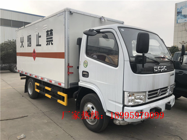春風多利卡5.5噸易燃氣體廂式運輸車