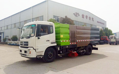 大型扫路车(16立方)国五 东风天锦洗扫车让城市更卫生