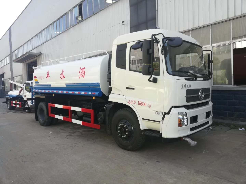 东风天锦13吨洒水车
