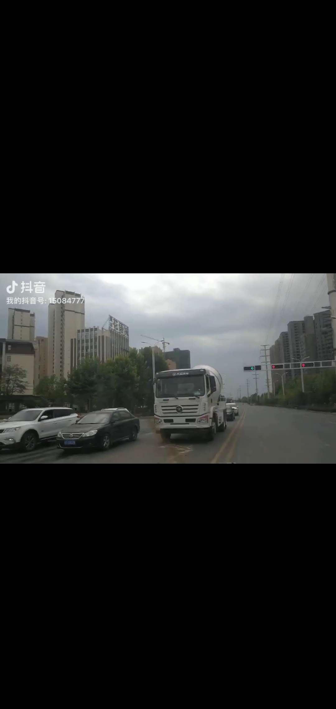 大运风驰10方搅拌车 混凝土水泥搅拌车行业里的神车展示视频