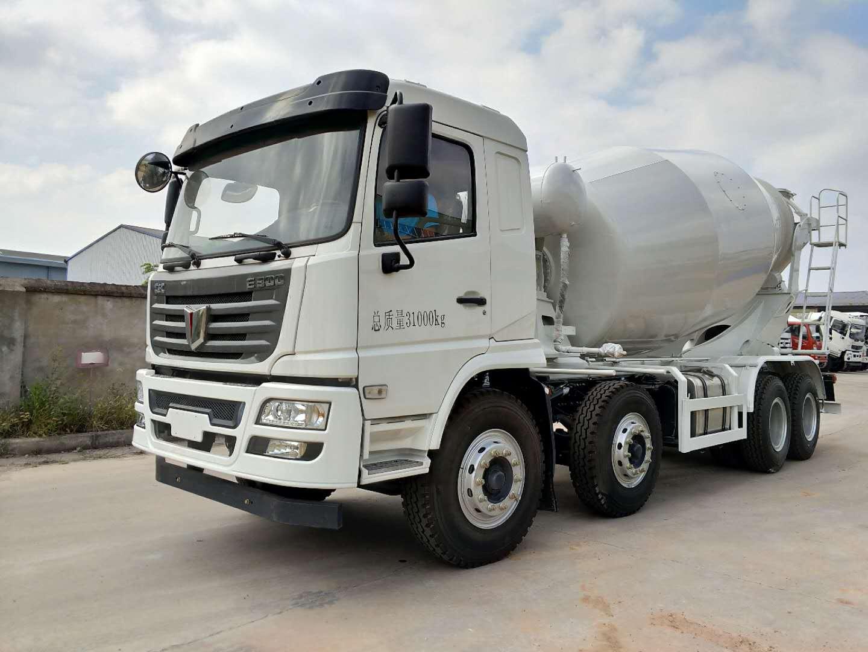 联合重卡轻量化10方-12方混凝土搅拌运输车