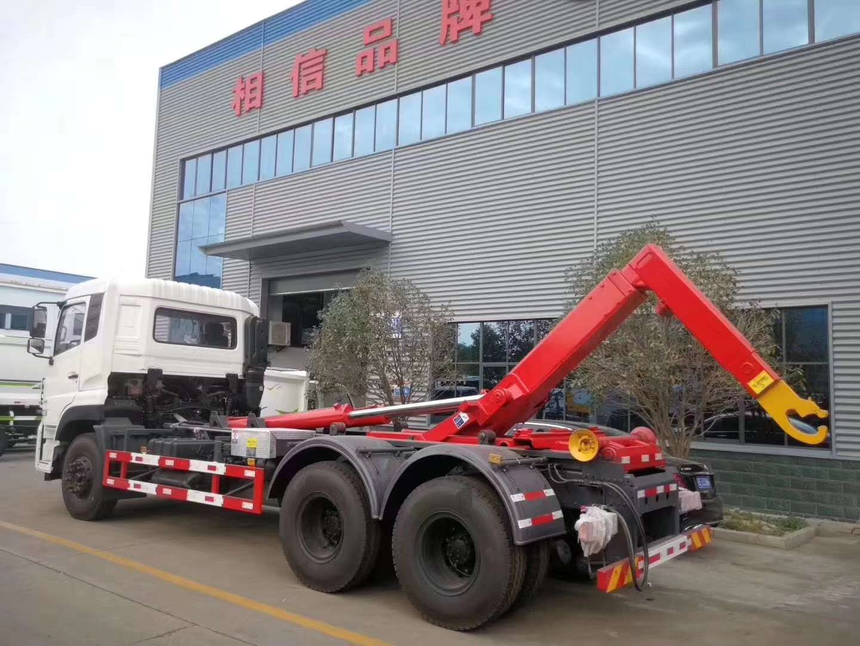 东风天龙18方勾臂垃圾车 配套18方移动式压缩箱体图片