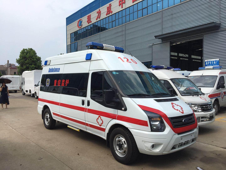 江铃福特长轴高顶监护型救护车
