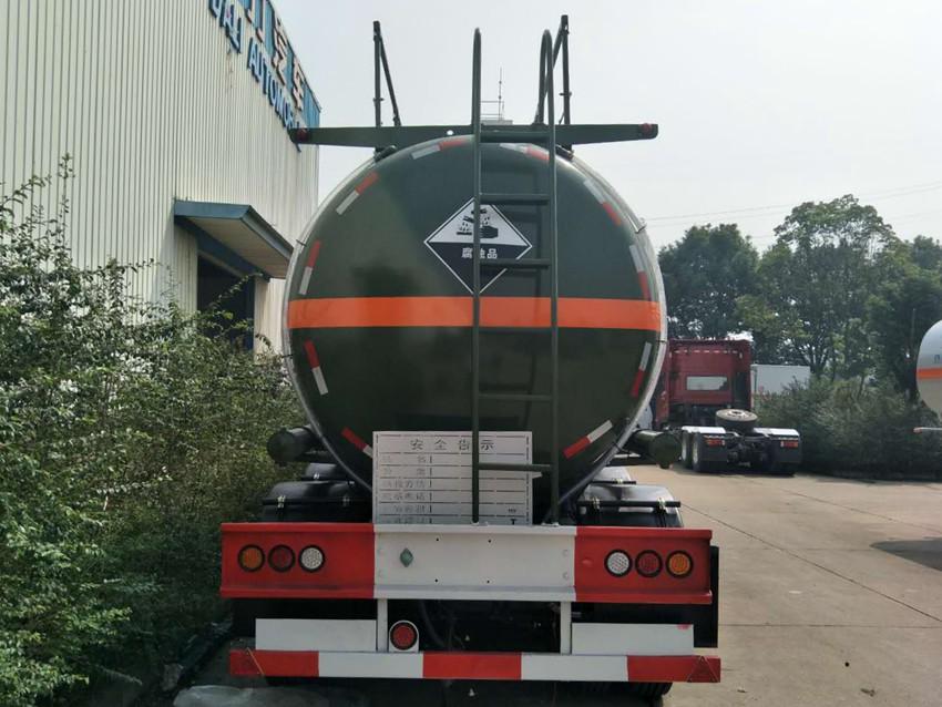 28立方磷酸罐车