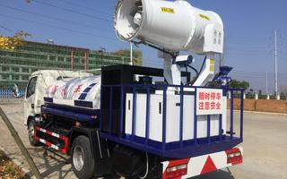 东风多利卡5吨30-50米喷雾降尘车图片